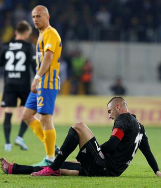 Beşiktaş'ta Galatasaray maçı öncesi Burak Yılmaz şoku!