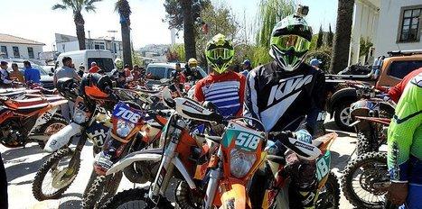 Şampiyon motorcular ödüllendirildi