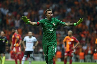 Galatasaray Muslera'nın alternatifini buldu! Alexandros Paschalakis...