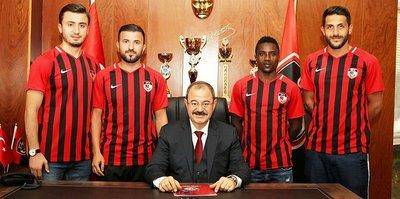 Gazişehir Gaziantep 4 oyuncuya imza attırdı