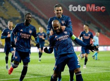 Son dakika spor haberi: Slavia Prag-Arsenal maçında geceye damga vuran kare! Cüneyt Çakır...