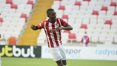 Son dakika transfer haberi: Sivasspor Max Gradel'in sözleşmesini 2024'e kadar uzattı