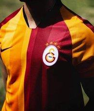 Galatasaray'dan ön libero bombası! Damien Comolli de peşindeydi