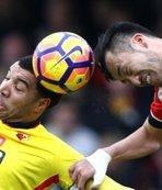 Topa kafayla vurmak yasaklandı! UEFA...