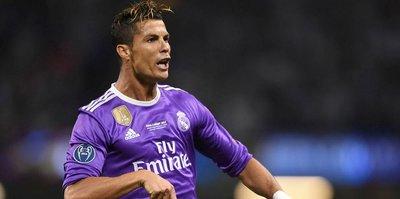 Ronaldo krallığı yine bırakmadı!
