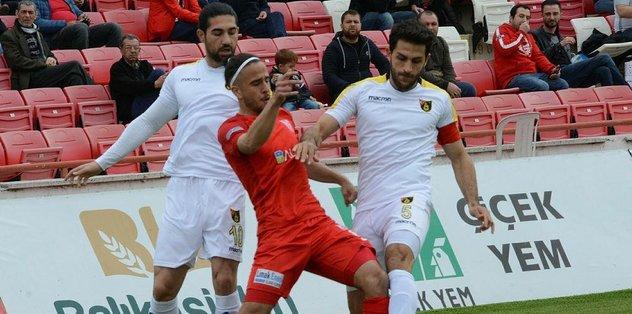 İstanbulspor, Balıkesirspor'u tek golle geçti