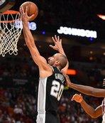 Spurs 4'te 4 yaptı, Rockets son saniyede kazandı!