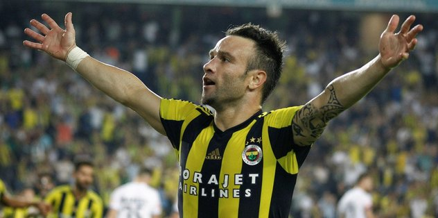 Aykut Kocaman, Valbuena'yı alkışlattı