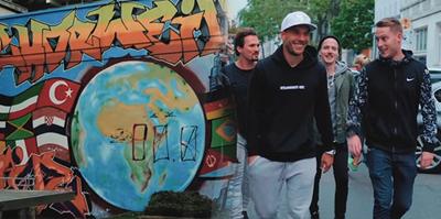 Podolski'nin rap şarkısı Almanya'da listeleri salladı