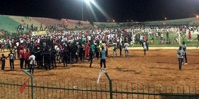 Senegal'de stadyum duvarı çöktü