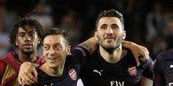 Mesut Özil'e yakın koruma