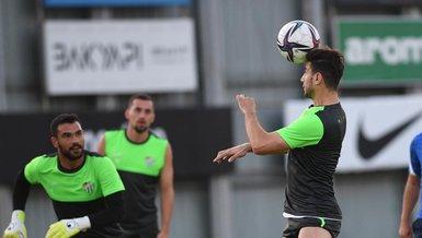 Son dakika spor haberi: Bursaspor'dan transfer rüzgarı! Tim Matavz, Reagy Ofosu ve Namıq Alasgarov ile anlaşmaya sağlandı