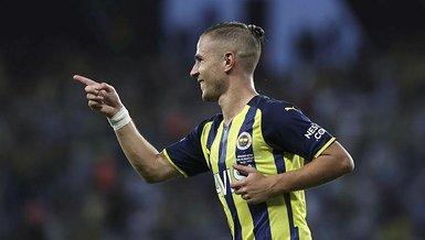 Fenerbahçe'de Eintracht Frankfurt maçı öncesi Pelkas ve Ferdi Kadıoğlu sevindirdi