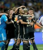 Play-off turunda Ajax, AEK ve Young Boys gruplara kaldı