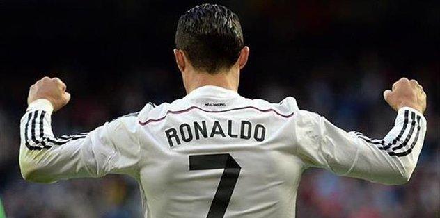 Cristiano Ronaldo wins goal of season vote
