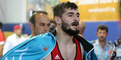 Güreş'te Kadir Kuş altın madalya kazandı
