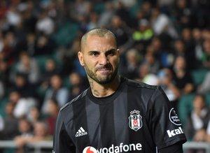 Beşiktaş kanatlandırır!