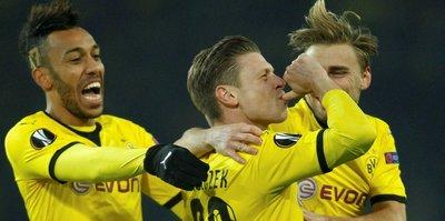 Dortmund Piszczek ile uzattı