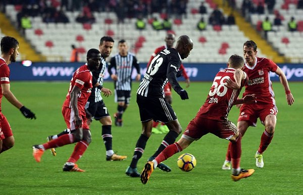 Sivasspor taraftarlarından Galatasaray'a gönderme