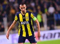 Fenerbahçe'de sürpriz ayrılık! Slimani ve Benzia derken...