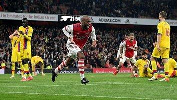 Arsenal puanı 90+5'te kurtardı!