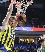 Fenerbahce keep winning run, beat Baskonia