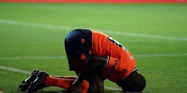 İşte Medipol Başakşehirli futbolcuların penaltı beklediği pozisyon! - Futbol -