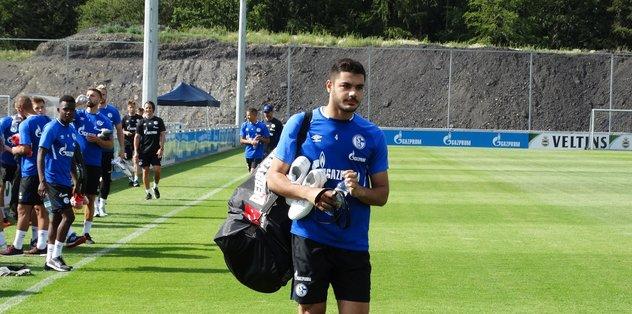 Schalke'ye transfer olan Ozan Kabak antrenmanda sakatlandı