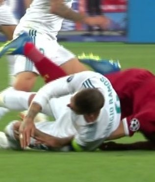 Sergio Ramos, Salah'ı sakatladı! Salah'ın gözyaşları...