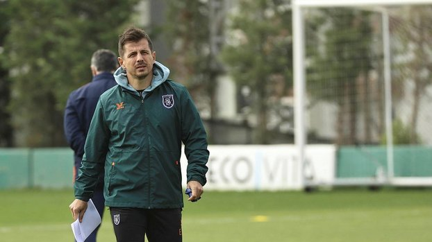 Emre Belözoğlu Fenerbahçe'den Mauricio Lemos'u transfer edecek!