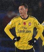 Mesut Özil'e kötü haber! 1 ay sonra serbest