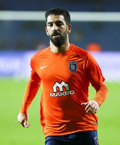 Galatasaray ve Başakşehir forması giyenler