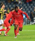 Süper Lig ekibine şok... Milli yıldız haciz gönderdi!