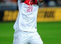 Fenerbahçe stoperde yerliye döndü! Milli yıldız...
