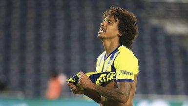 Son dakika FB transfer haberleri | Fenerbahçe'de Luiz Gustavo takımdan ayrılabilir! 3.5 milyon Euro...