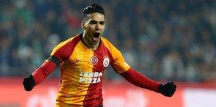 """falcaonun ne kadar indirim yaptigi belli oldu 1597259963339 - Galatasaray'da büyük kriz! """"Bu şekilde oynamak istemiyoruz"""""""
