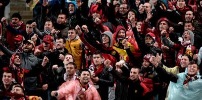 Eskişehirspor taraftarlarından kulübe bağış