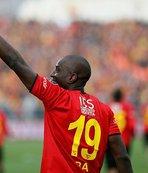 Göztepe'de Demba Ba'ya 2 yıllık sözleşme
