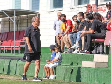 Galatasaray'dan taraftarlı antrenman! Yeni transfer Barış Alper Yılmaz ilk kez sahada
