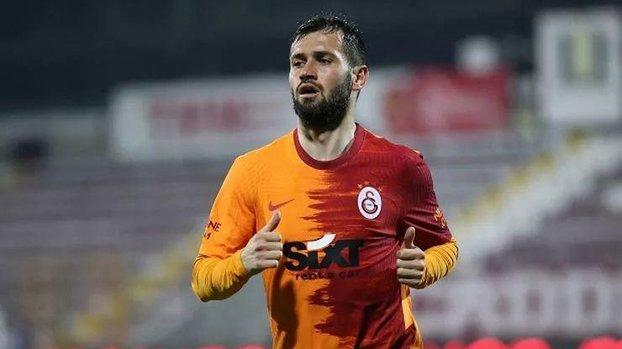 Galatasaray taraftarından Ömer Bayram'a büyük tepki! Çıkar üzerindeki formayı