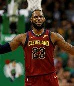 Los Angeles Lakers'a transfer olan LeBron'un serveti dudak uçuklatıyor