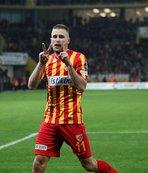 """Artem Kravets: """"Attığım golle önemli bir galibiyet aldık"""""""