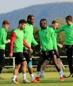 Kupa şampiyonu Akhisarspor Süper Lig'e veda edebilir