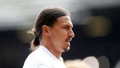 Zlatan Ibrahimovic takım arkadaşlarına PS5 hediye etti!