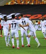 Beşiktaş'a kötü haber! Yıldız isim derbide cezalı
