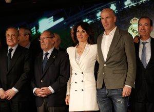 Zinedine Zidane'ın imza töreninden fotoğraflar