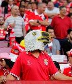 Benfica taraftarı stadı doldurdu