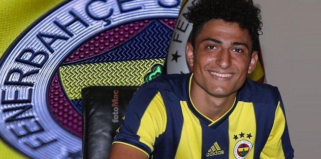Abdulcebrail Akbulut kimdir? Hangi mevkide oynuyor? Fenerbahçeli oyuncu Abdulcebrail Akbulut'un yaşı, kariyeri...