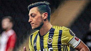 Mesut Özil'in formaları 5 dakikada tükendi!