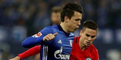 Schalke bırakmıyor